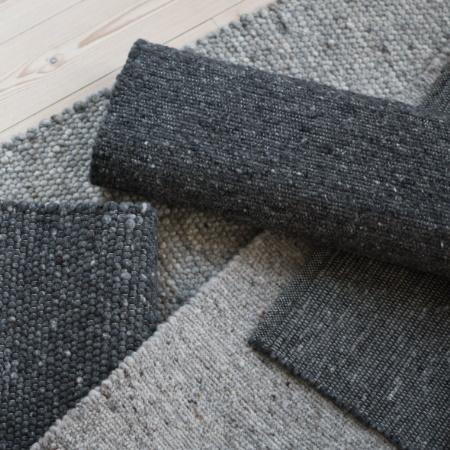 Schmutzunempflindliche graue Teppiche